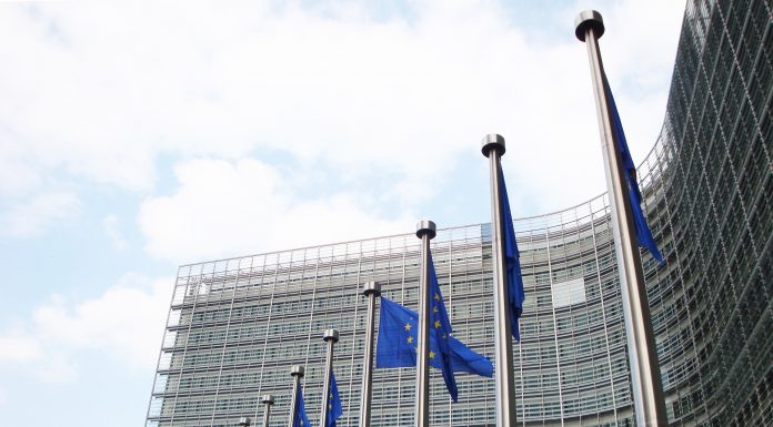 Le Big Tech tremano: i due Digital Acts in arrivo in Commissione Ue
